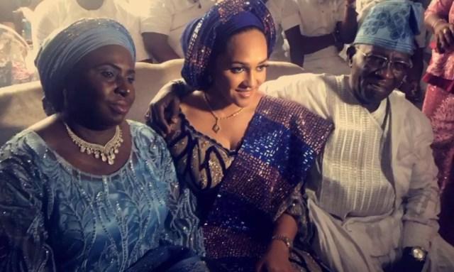 Photos: Tania Omotayo traditionally weds buzzbar co-owner, Sumbo in Lagos