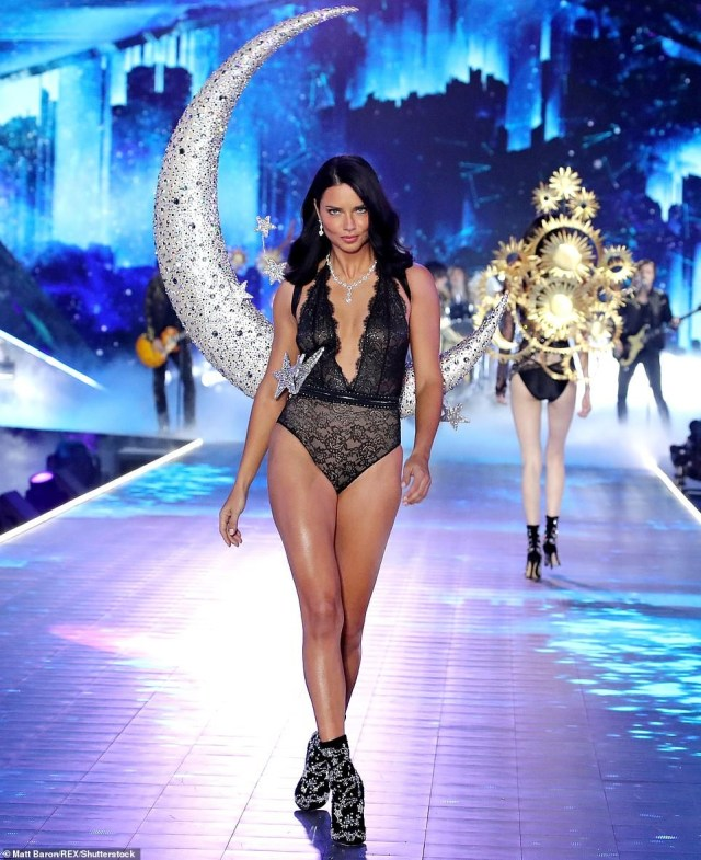 Adriana Lima breaks down in tears on the runway as she retires from Victoria