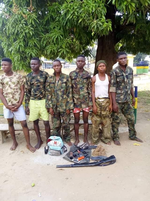 Photos: Police arrests six armed robbers in military uniform in Benue State