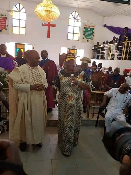 "?You can?t embarrass my wife for talking politics in church"" - Sen. Akpabio criticises Bishop for scolding his wife during church service"