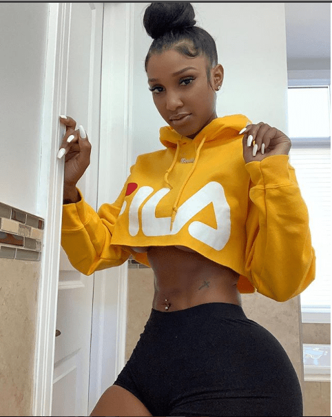 Model Bernice Burgos gets blasted after showing massive behind and saying