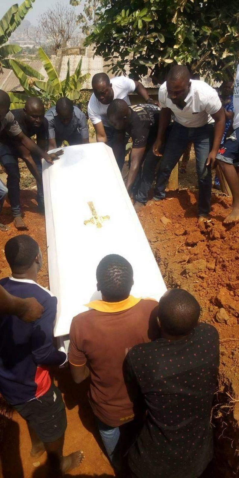 """""""This world is wicked"""" - Friends, family mourn Ekiti councilor shot dead by gunmen as he is laid to rest"""