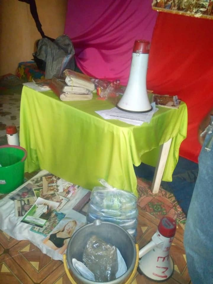 Photos/Videos: Pastor nabbed with bag filled with female pants and bra in Auchi, Edo state
