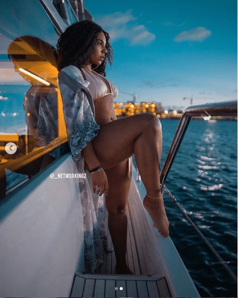 Ageless Ashanti, 38, shares makeup-free photos as she poses in sexy bikini (Photos)