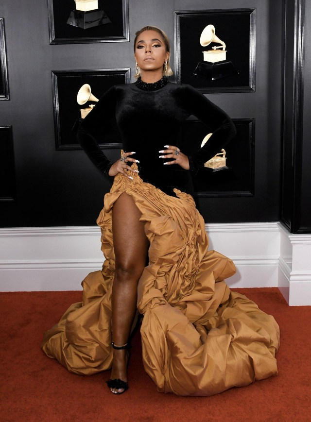 Stunning red carpet photos from the 61st Grammy Awards