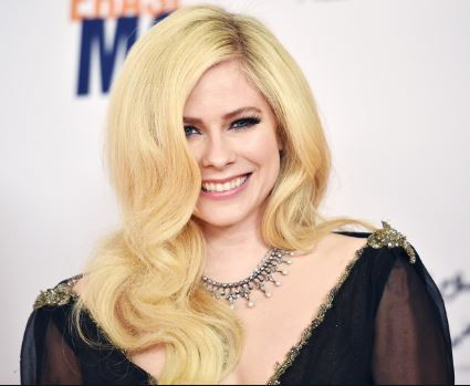 Canadian singer,?Avril Lavigne addresses conspiracy theory that she died and was replaced with a?clone