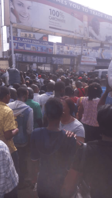 Igbo traders protest as they are locked out of their shops in the Trade Fair Complex by the State Government (photos/video)