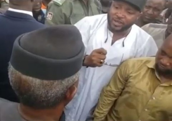 VP Osinbajo forced to dialogue with Abuja residents after they blocked his convoy?on his way to the airport (Video)