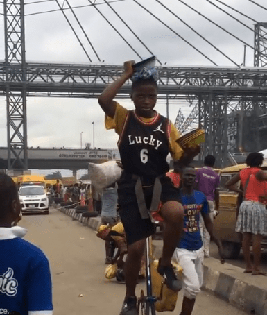 Girl filmed performing incredible stunts in Oshodi, Lagos