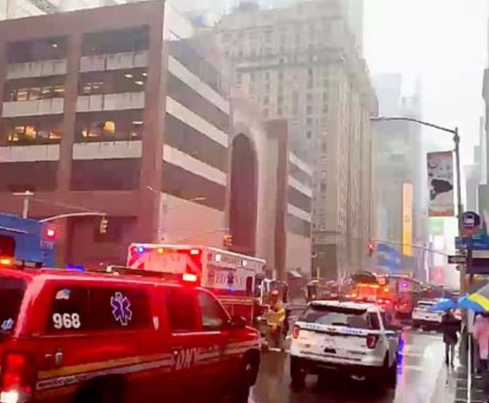 Breaking: One person dead after a helicopter crashed on to the roof of a 54-story skyscraper in New York