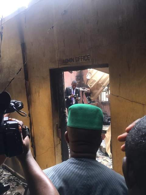 Graphic Photo: Angry youths burn police station in Imo over alleged killing of young man by trigger-happy policeman