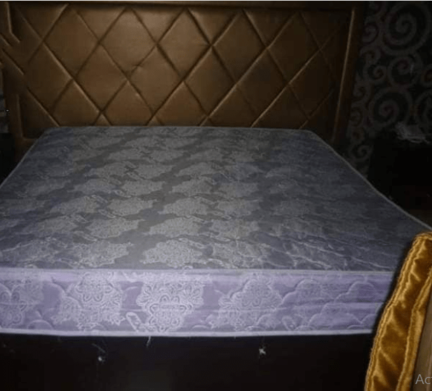 Lady found dead underneath a hotel bed in Owerri (photos)