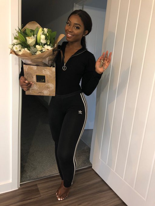 25-year-old Nigerian lady quits her ?50k job, buys a house and moves into her own office