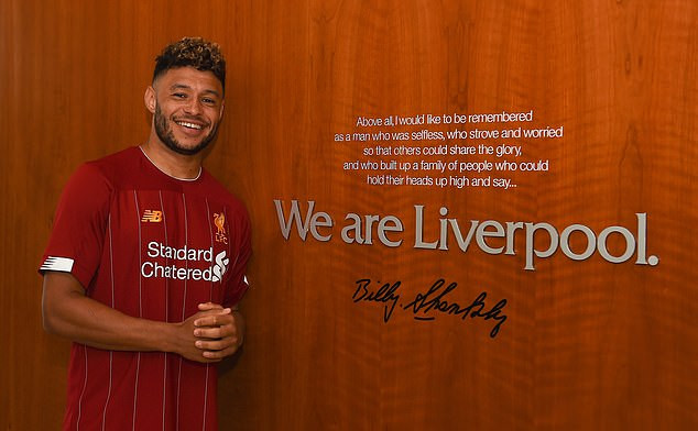 Alex Oxlade-Chamberlain agrees new long-term deal with Liverpool until 2023