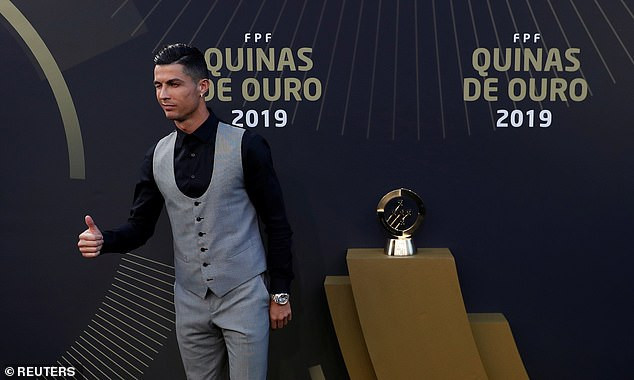 ?Cristiano Ronaldo wins record 10th Portuguese Player of the Year award (Photos)