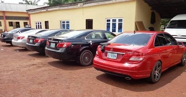 EFCC arrests 13 yahoo boys in Enugu (photos)