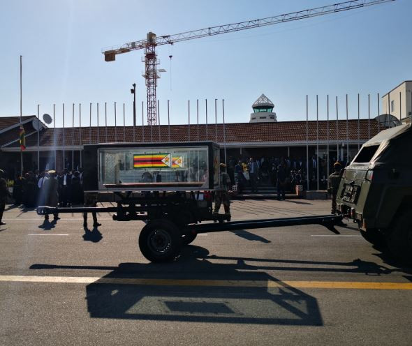 Robert Mugabe?s body arrives Zimbabwe from Singapore (Photos)