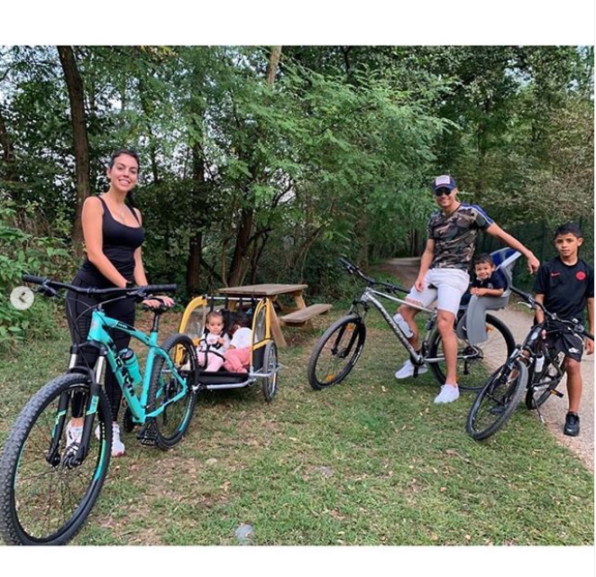 Cristiano Ronaldo steps out with his adorable family as they enjoy bike ride together�(Photos)