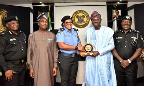Governor Sanwo-Olu honours kind-hearted police officer who used personal resources to save robbery victim (photos)