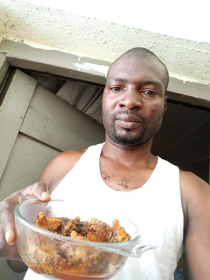 PHOTOS: Nigerian man Cooks an Eats A Big Snake He Killed in His House