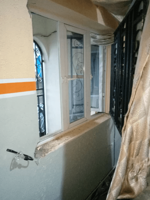 Expectant father accuses EFCC officials of breaking into his home in the middle of the night to conduct a search