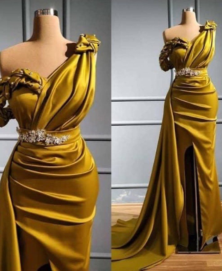 Disappointed customer shares photos of the dress she asked for and what she got from her tailor
