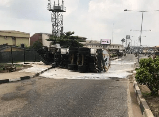 No life lost as fuel tanker falls on Lagos Airport road
