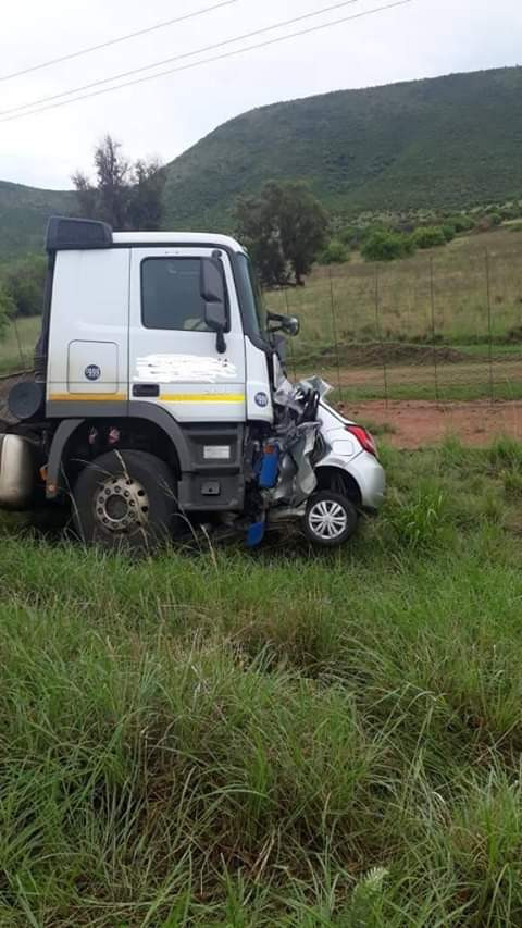 South African man kills his wife, 17-year-old stepdaughter, then commits suicide by ramming his car into a truck
