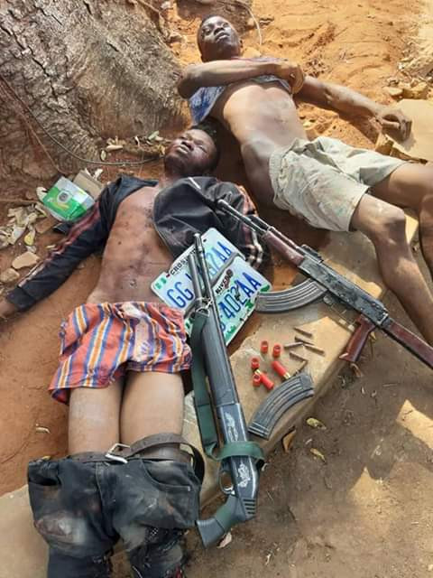 Police gun down two suspected armed robbers in Anambra (graphic photo)
