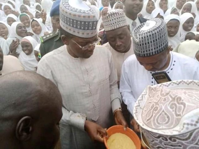Moment Governor Matawalle forced principal and teachers to eat poor food they serve students during an unscheduled visit (video)