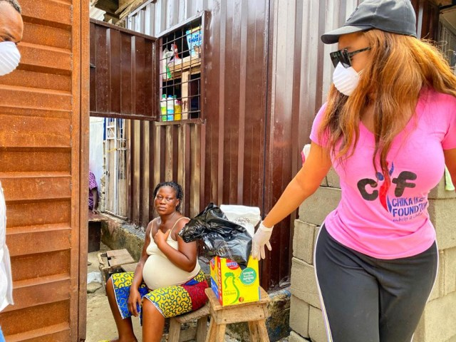 Chika Ike gives donation during Covid-19 pandemic lockdown