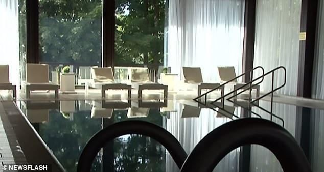 Découvrez l'intérieur du complexe quatre étoiles en Allemagne où le roi thaïlandais passe le contrôle de son harem de 20 personnes
