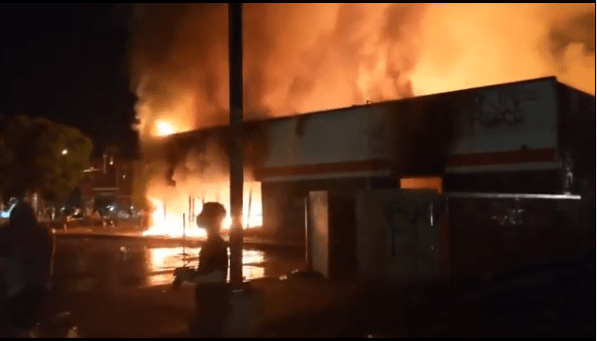 Chaos in Minneapolis as protesters loot malls and burn buildings in reaction to George Floyd