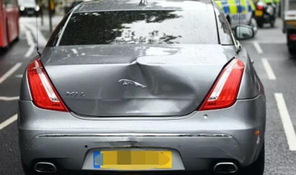 Le Premier ministre britannique, Boris Johnson impliqué dans un accident de voiture à l'extérieur du Parlement (vidéo / photos)
