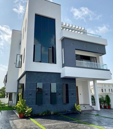 Ogenyi Onazi buys multi-million naira home in Lekki (photos/video)