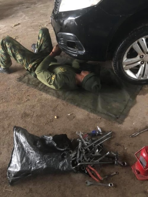 5efc866d1a45a - Nigerian Man Appreciates Soldier Who Helped Him When He Was Stranded In The Rain (Images)