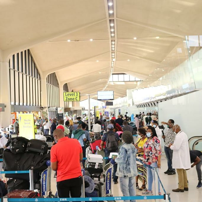 322 Nigerians evacuated from the US arrive Lagos (photos)