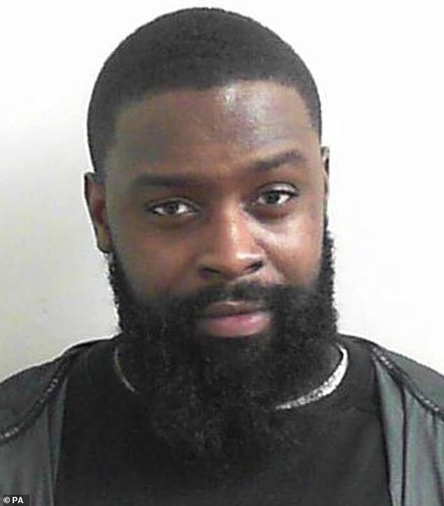 Le rappeur anglo-ghanéen Solo 45 est emprisonné pendant 24 ans pour avoir détenu quatre femmes contre leur volonté et les avoir violées 21 fois