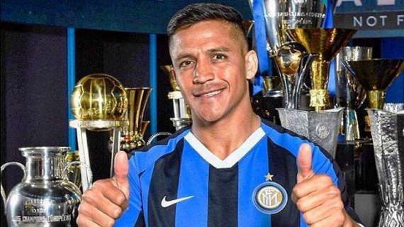 Alexis Sanchez joins Inter Milan on three-year deal from Manchester United