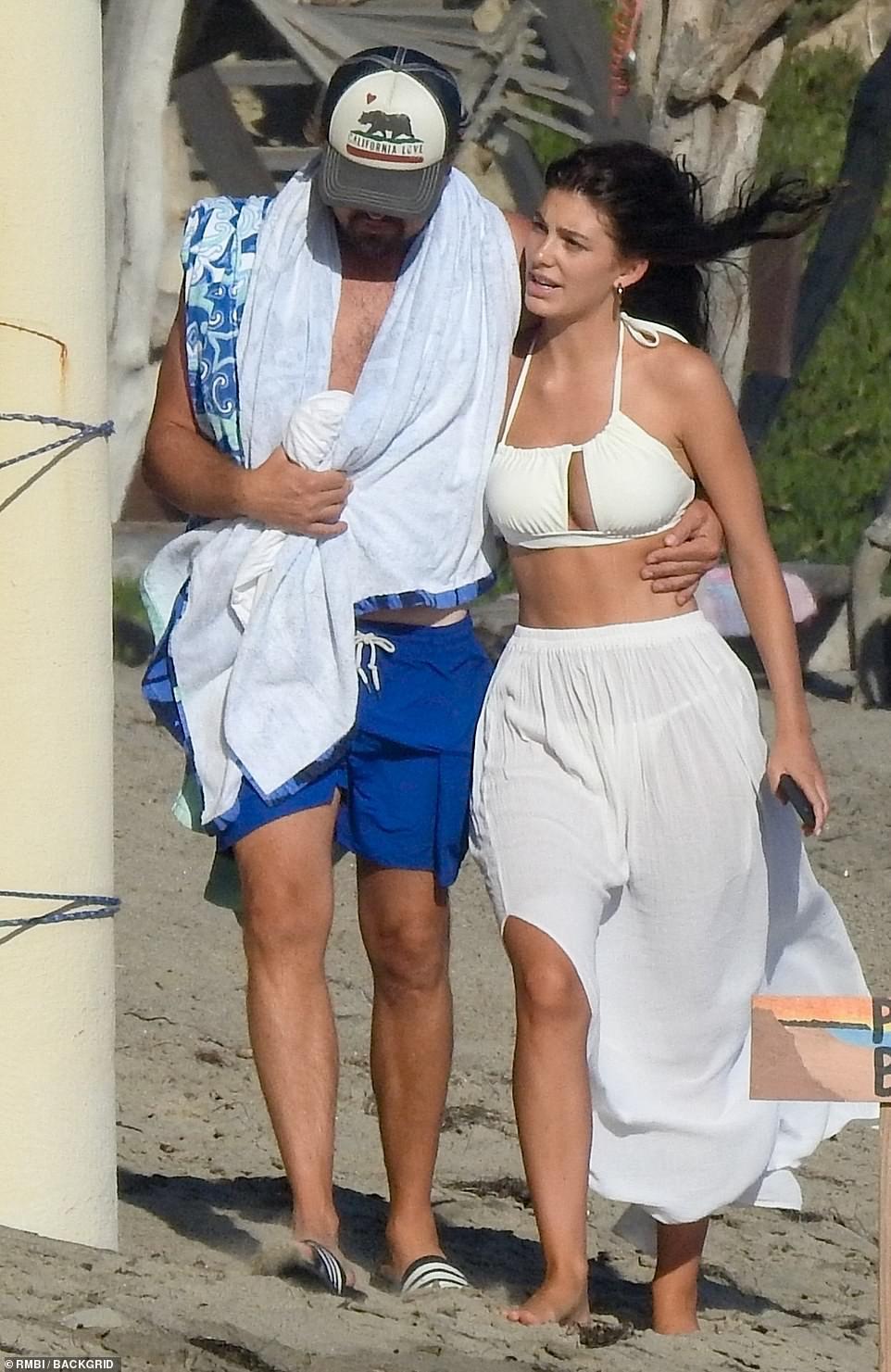 Leonardo DiCaprio, 45, wraps his arms around 23 year old girlfriend, Camila Morrone, while holidaying in Malibu (photos)??