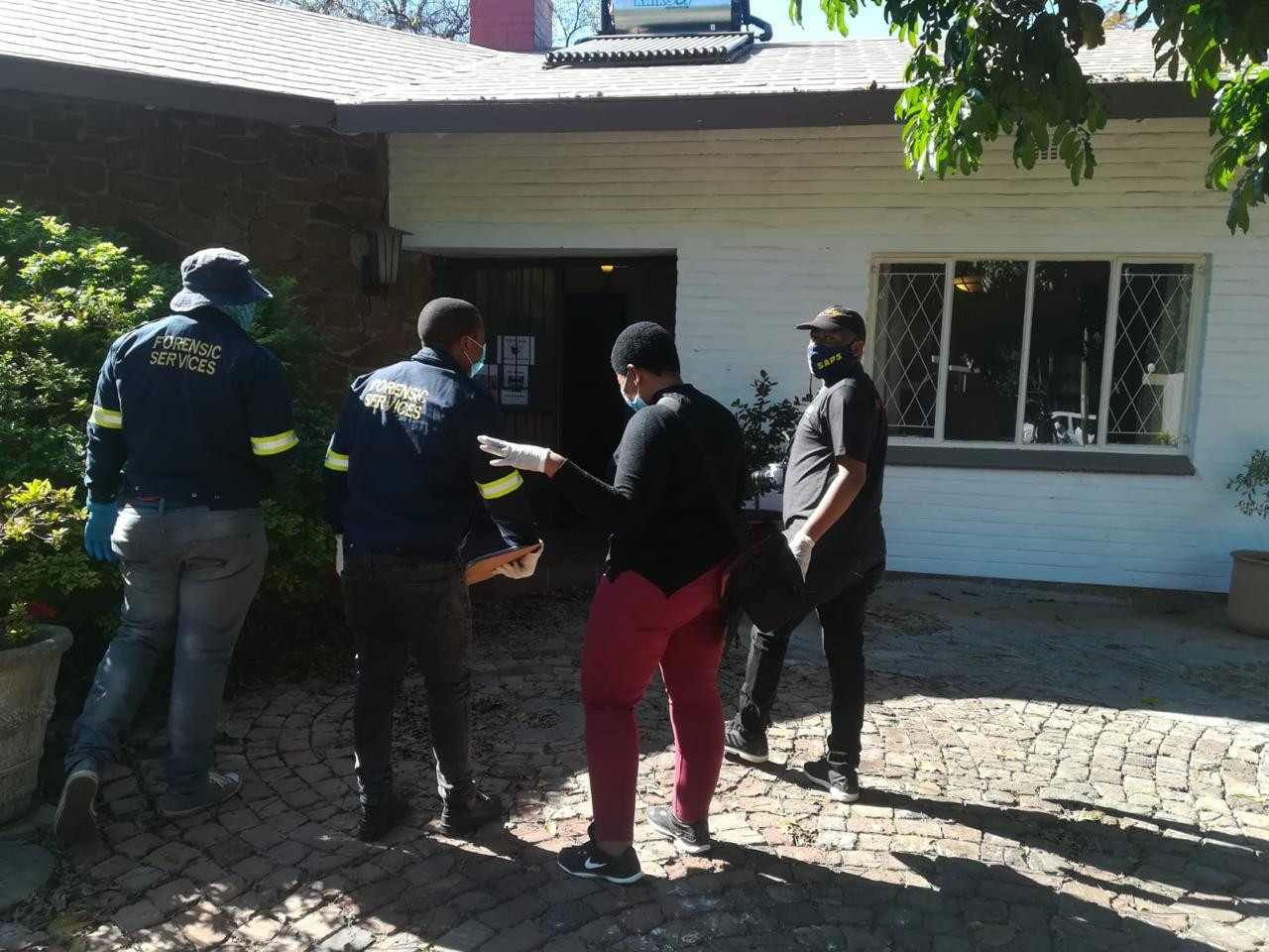 Human trafficking ring: South African police rescue 10