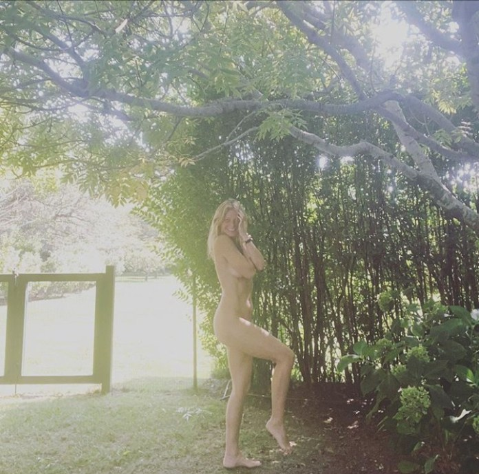 Gwyneth Paltrow goes naked to celebrate her 48th birthday