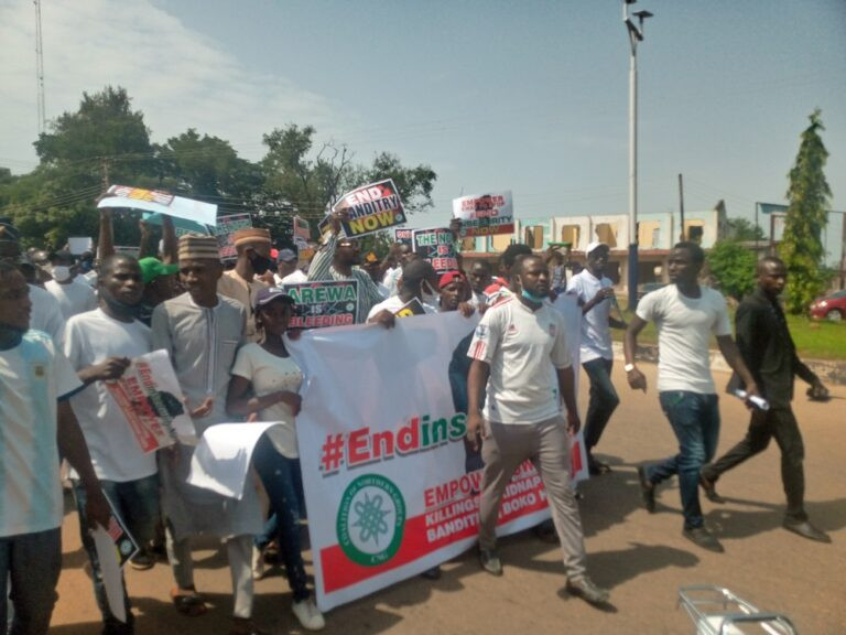 Northern youths protest against insecurity (photos)