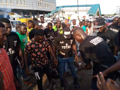 Two notorious traffic robbers nabbed in Lagos