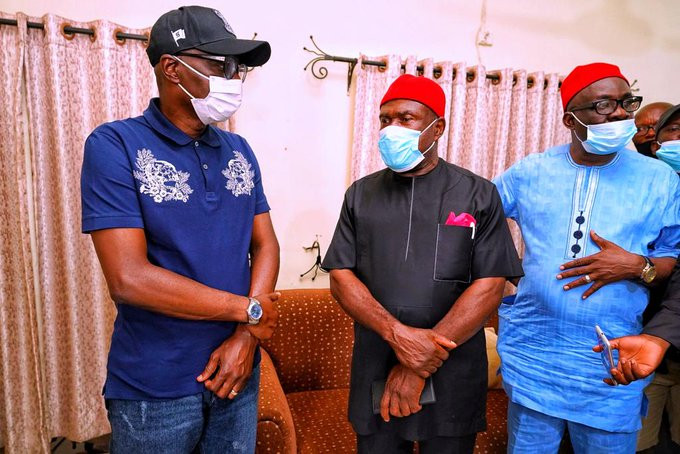 Governor Sanwo-Olu visits family of man killed during #EndSARS protest in Surulere last Monday