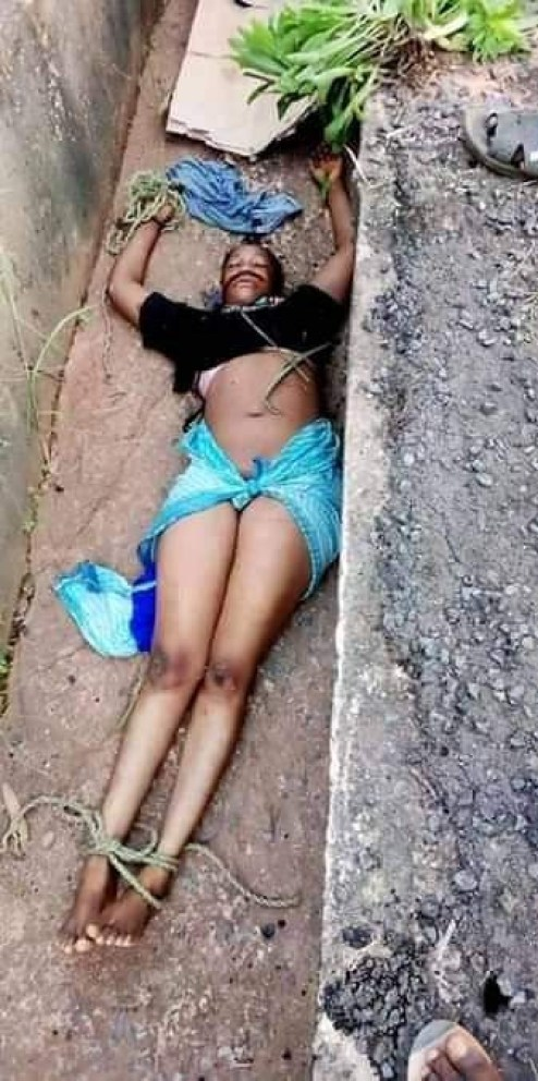 Young lady found dead inside gutter in Anambra with mouth gagged, hands and legs tied (graphic photos)