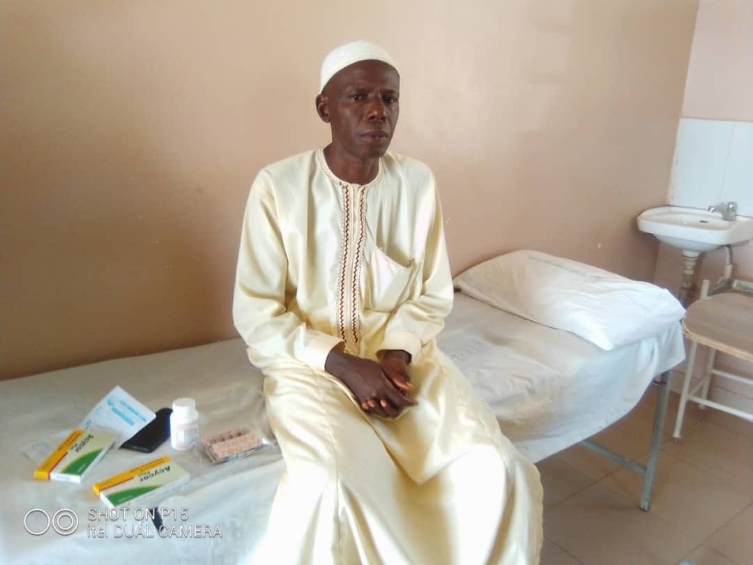 Governor Inuwa Yahaya comes to aid of man suffering from limb pains after trekking from Gombe to Abuja to celebrate Buhari