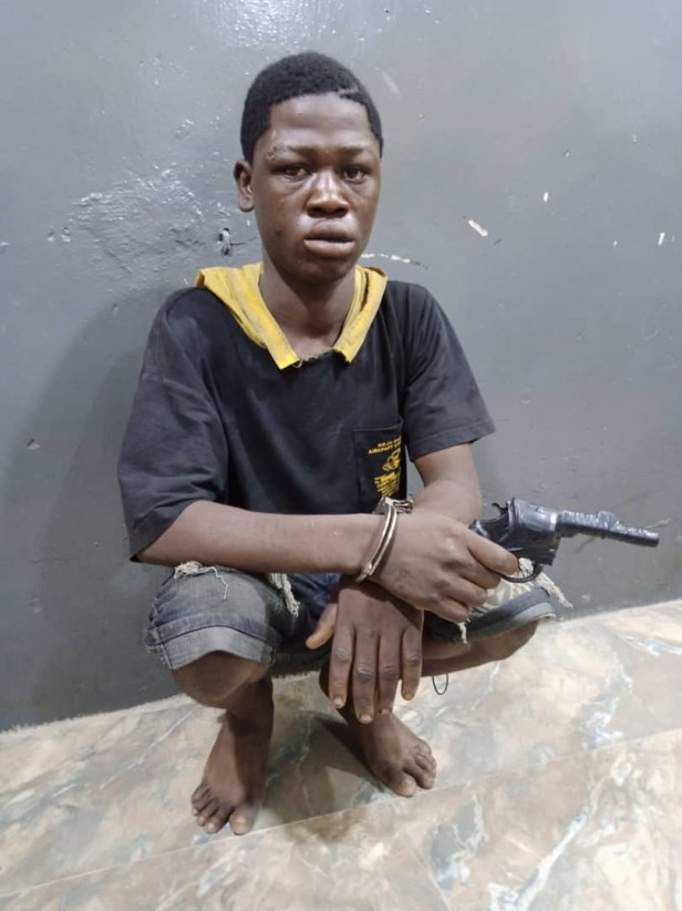 19-year-old suspected robber arrested with dummy gun in Lagos