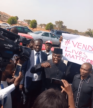 Newspaper vendors protest killing of their colleague by House of Reps speaker, Femi Gbajabiamila?s security aide