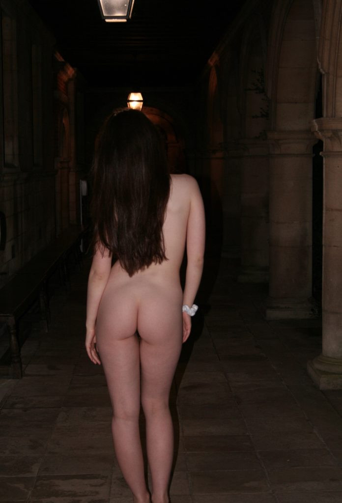 Cambridge university students strip off and bare nak3d bums in annual